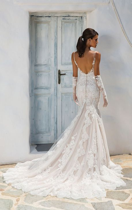 Justin Alexander style 8961 back view